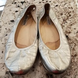 Steven madden flat silver shoes size 8.5